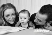 Papa, mama en de baby portret zwart wit