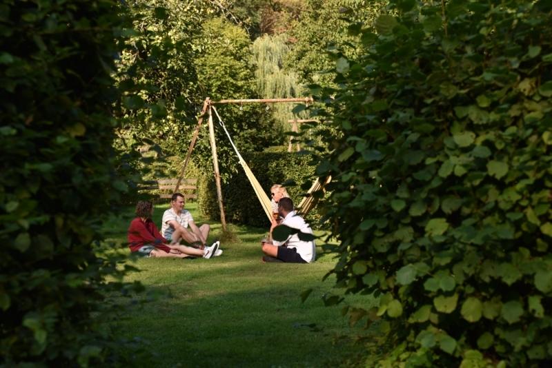 Relaxed de bruiloft genieten