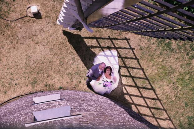 Een van mijn top 5 bruidsreportages, bruidspaar bijde molen van Maasbracht. Trouwfotografie in Limburg en Nederland en in het buitenland.