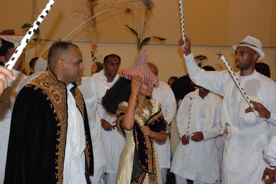 Buitenlandse bruiloft bij herberg de bongerd in Beesel.