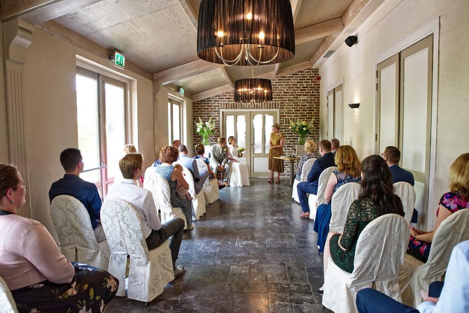 Trouw ceremonie van een huwelijk bij Oolderhof te Roermond.